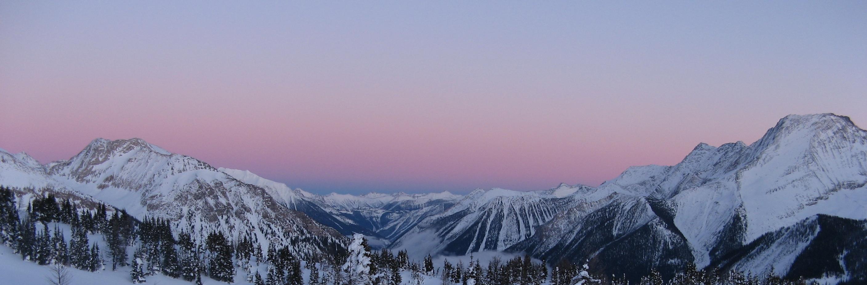 Jumbo pass by Danny Laroche via Flickr