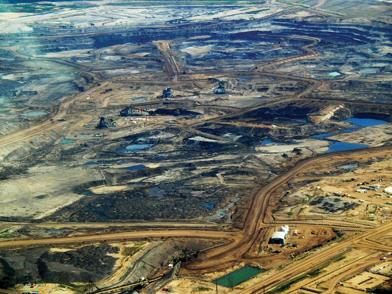 Photo of Alberta's tar sands by Dru Oja Jay, Dominion.