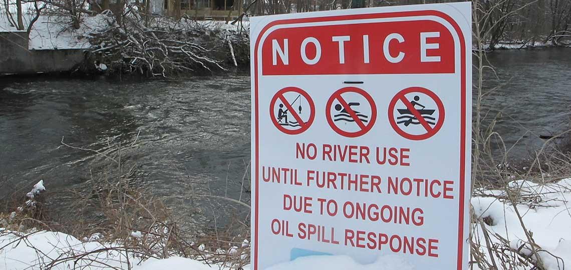 Photo of Kalamazoo River spill